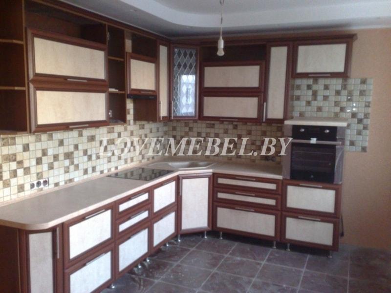 Угловая кухня из рамочного МДФ фото (1)