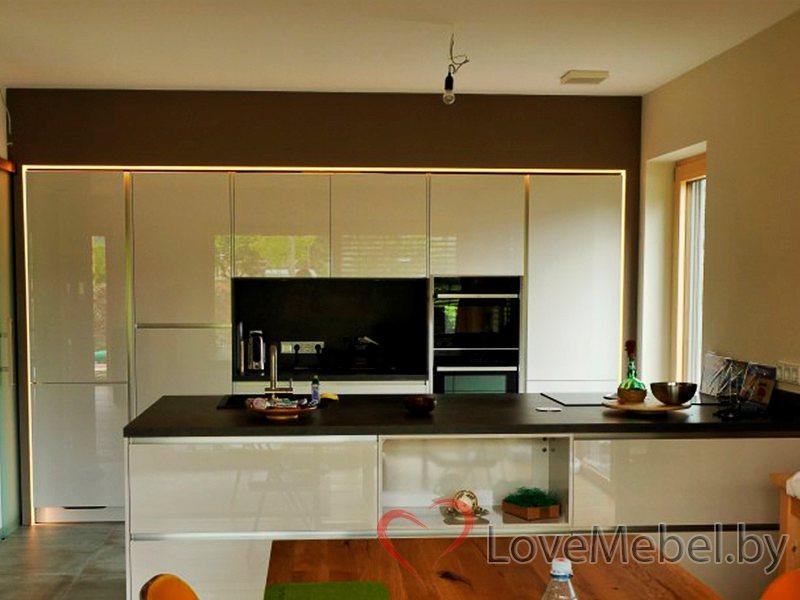Кухня с широкой столешницей из акрила Альбасете (1)
