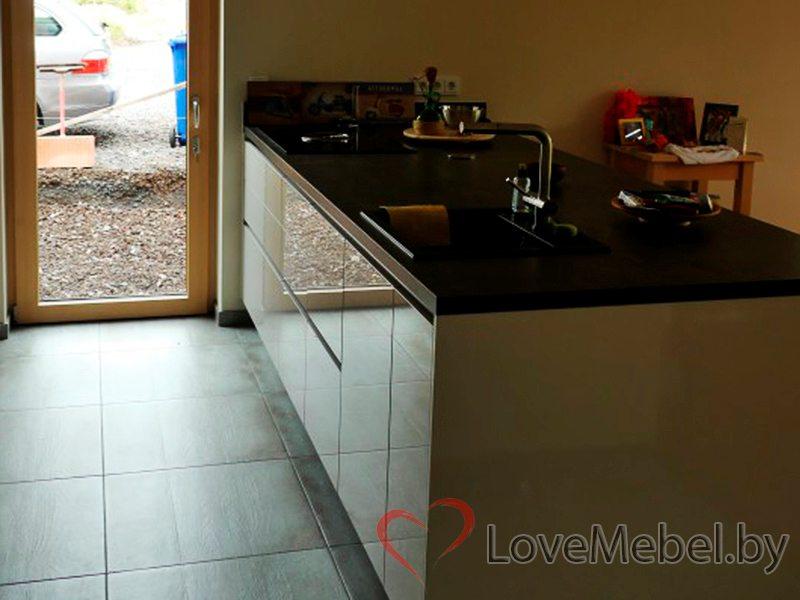 Кухня с широкой столешницей из акрила Альбасете (5)