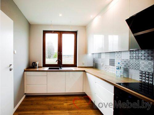 Угловая кухня под окно из крашенного МДФ Кампродон (3)
