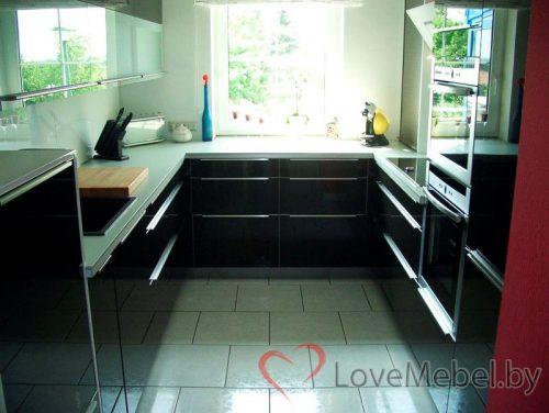 Кухня с длинными накладными ручками Альфес (1)