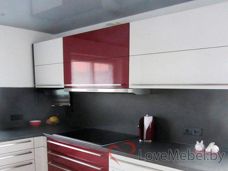 Кухня из глянцевого пластика с длинными ручками Паламос (2)