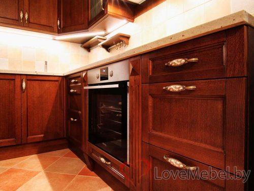 Угловая кухня из массива сосны Калелья (4)