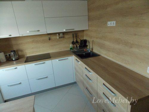 Кухня со скинали из Egger в цвет фасада (2)