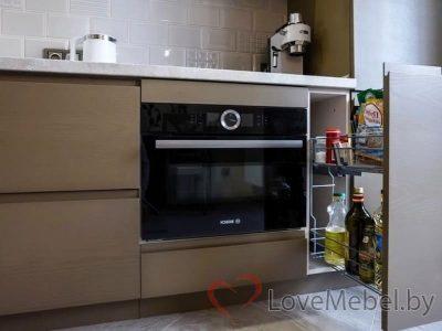 Кухня с распашными фасадами до потолка Арта (7)
