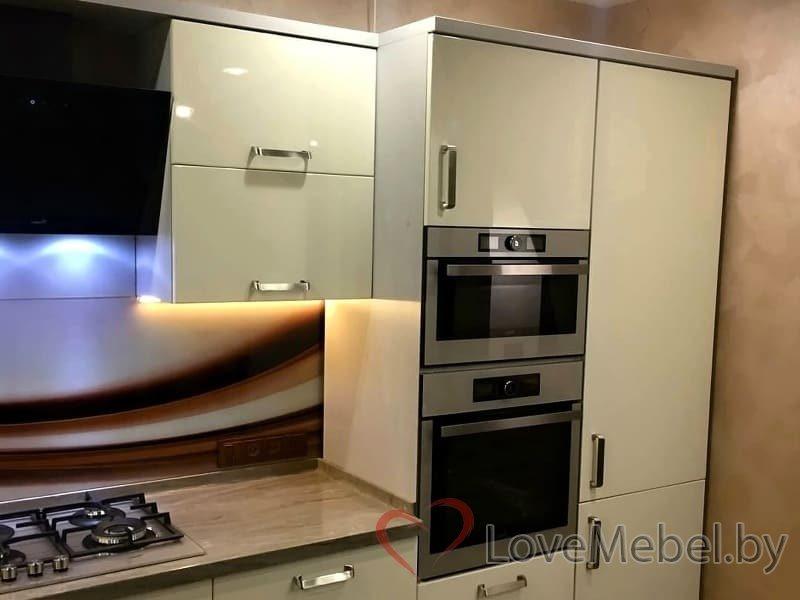Кухня с закругленными фасадами Тригерос (3)