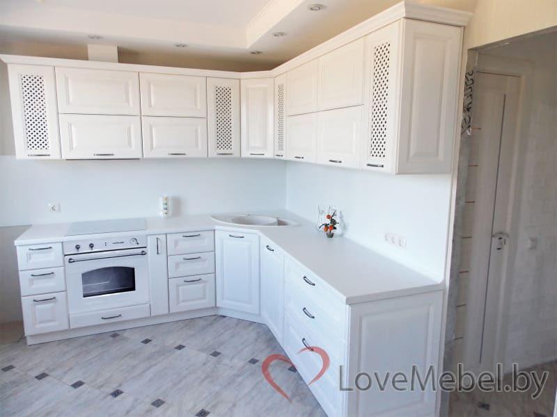 Белая кухня из массива дуба (1)