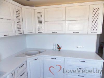 Белая кухня из массива дуба (4)