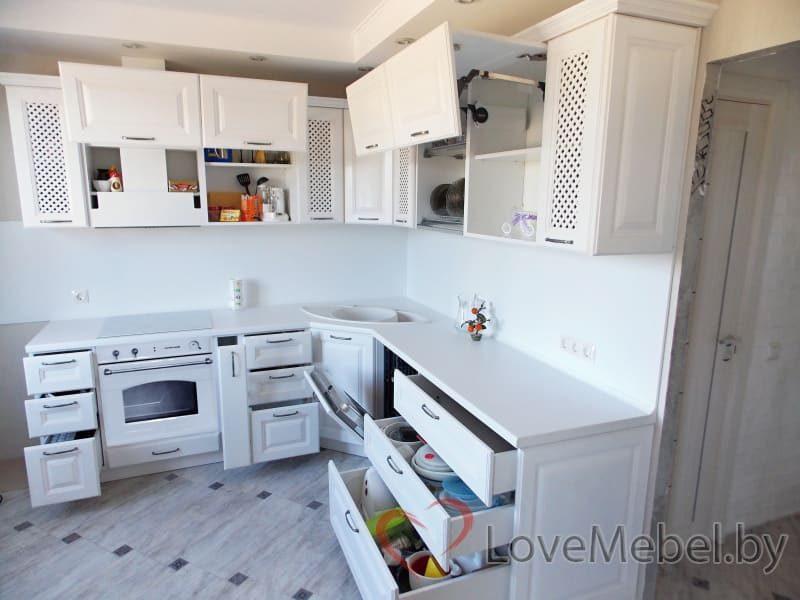 Белая кухня из массива дуба (5)