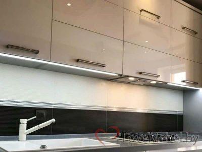 Кухня с высокими пеналами Арболи