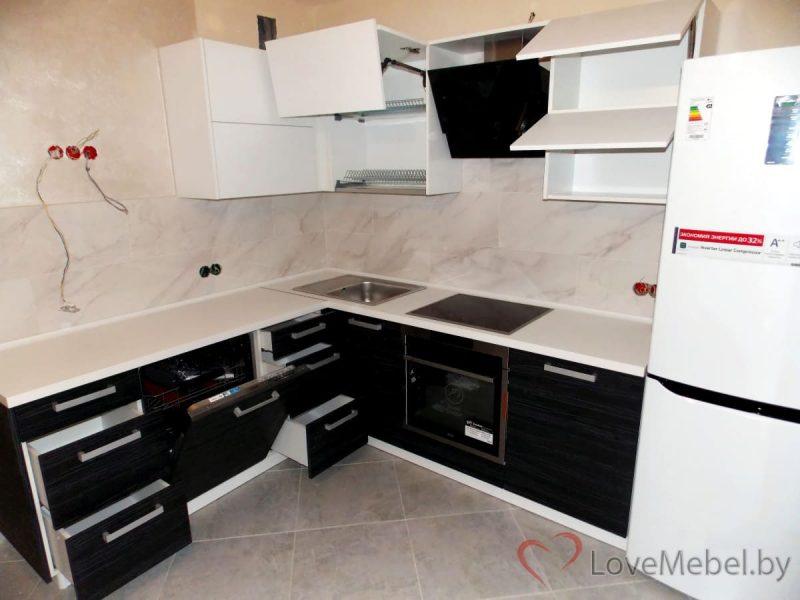 Кухня с верхом без ручек из ЛДСП Egger