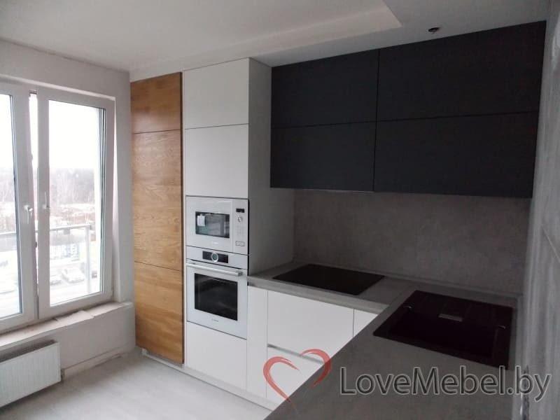 Кухня из феникса с встроенным холодильником (1)
