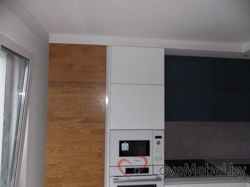 Кухня из феникса с встроенным холодильником (3)