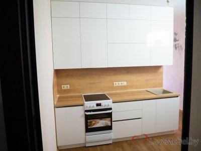 Прямая кухня в коридоре